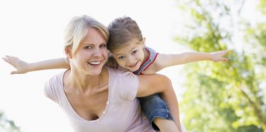 losing weight with hypnosis gives you more energy to play with your kids